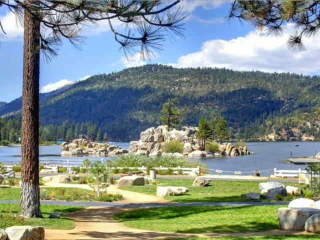 No. 10: : Big Bear, CA | Top 10 Thanksgiving Vacation Rental Destinations