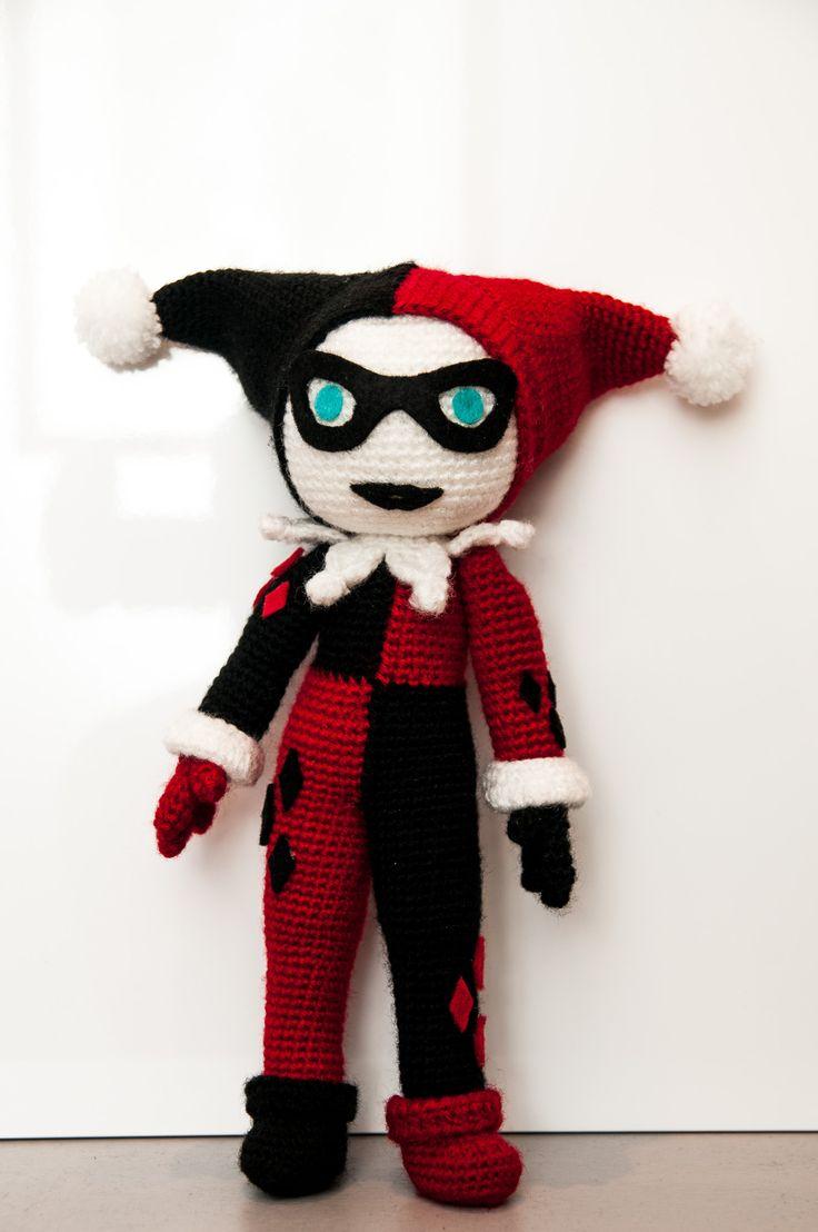 Harley Quinn – La Fée Crochette Free pattern (FR/EN)