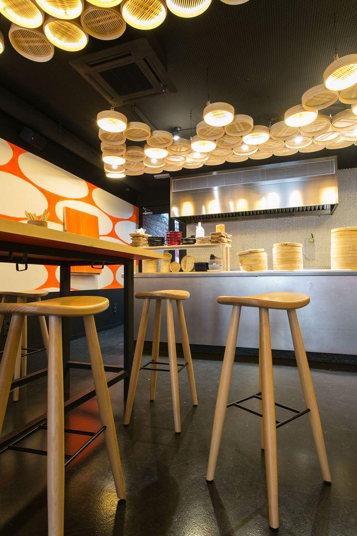 Bao Bar de Paco Perez. Designer d'intérieur Esther Rovira. Tabourets Lagranja par Vergés- Mobilier de Vergés