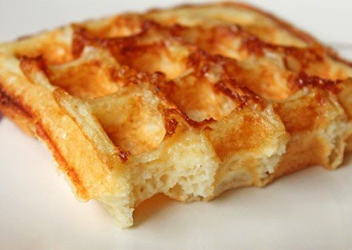 fanny farmer waffle recipe: makes 8 airy and light Belgian waffles. Wonderful with maple syrup or a dusting of powdered sugar and fruit. If using extra large eggs, add 1/4 cup of flour to the mix. The batter is very thin so don't overfill the waffle maker :) 10/10