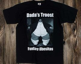 Dada's Troost T-shirtFruit of the loom valueweight T-shirt met een 2 kleuren opdruk (Wit & Grijs).