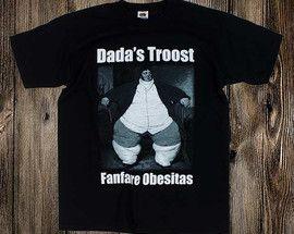 Dada's Troost T-shirtFruit of the loom valueweight T-shirt met een 2 kleuren opdruk (Wit & Grijs).