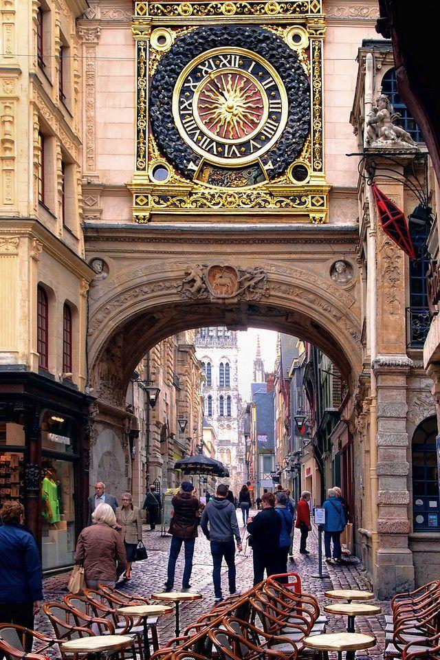 Street and Urban AwakeningLight avec images Horloge