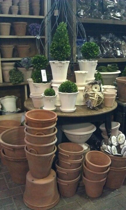I want those clay pots with handles!