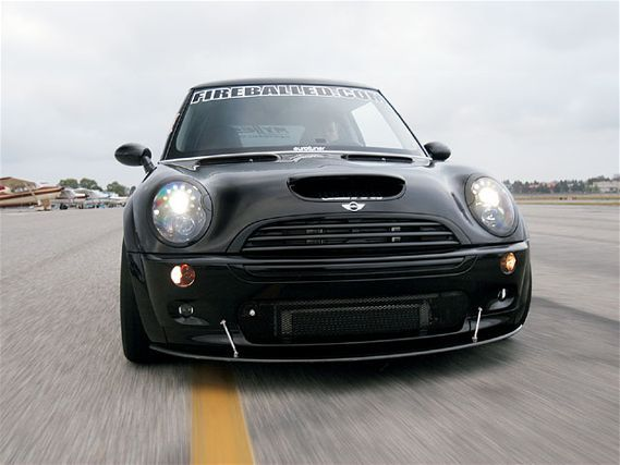 Eurp_0712_15_z+fireballed_2005_mini_cooper_s+oriciari_cowl_vents_carbon_front_splitter_oe_aero_side_skirts_water_to_air_intercooler