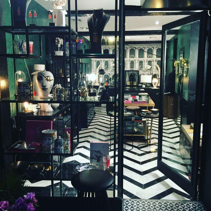 #saint tropez#luxury shop#cote d azur#saint tropez#damonteelacarrieu#
