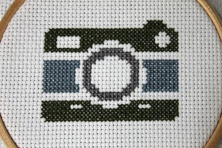 Vintage Camera Cross Stitch DOWNLOAD Pattern and Instructions – Spot Colors