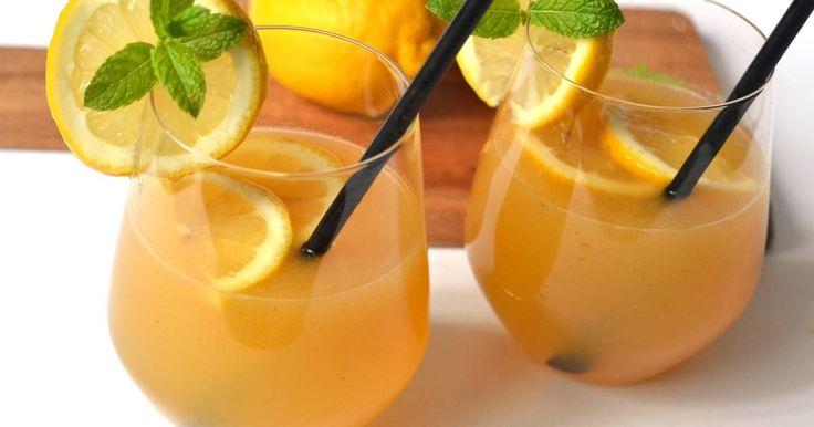 Mennyei Barackos-mentás limonádé recept! Igazi nyári frissítő limonádé recept, őszibarackból, mentával, és citrommal. Behűtve a legjobb! ;)