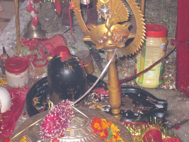 Indische Spiritualität ist ein Mysterium, ich versuche hier die Grundlagen des Hinduismus bzw. Sanatana Dharma aufzudecken.