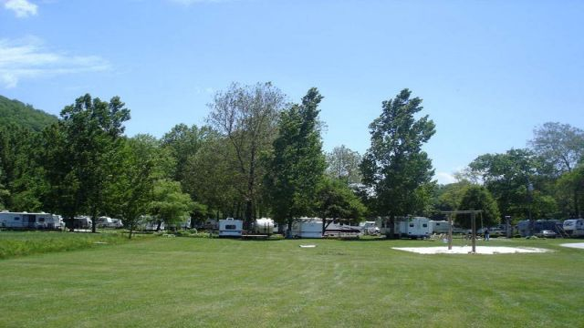 Buck Hill Campground, 10 miles north of Spruce Pine and 20 minutes south of Banner Elk. Camping Cabins, Tent and RV Sites.