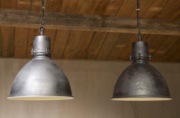 Industriele lampen voor boven de eettafel
