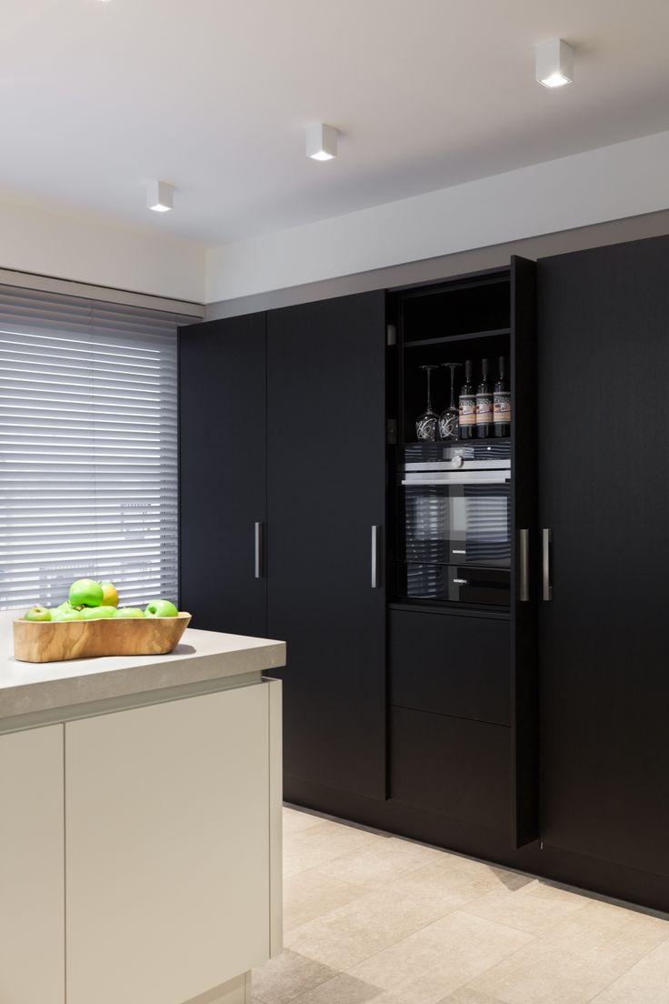 Keuken bij ons in de showroom! Kijk ook op www.vanginkelkeuk.... #atag #gaskookplaat #keuken #vanginkelkeukens #keukenbedrijf #quooker #kookplaat #design #kitchen #interieurdesign #interior #designkitchen #rvs #keukencentrum