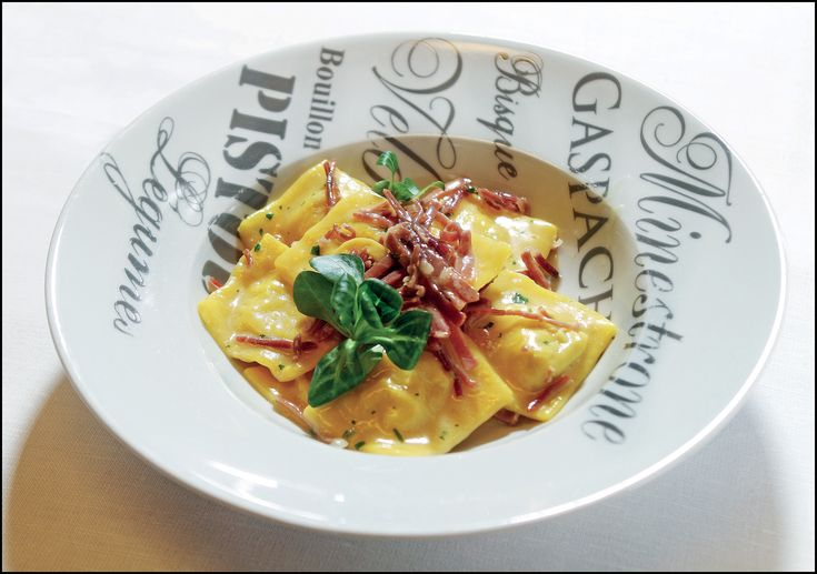 """""""Ravioli di funghi porcini, il culatello e tartufo"""" dello chef Fabrizio Boccafogli de La Taverna del Farneto (BO)  #lamadia #lamadiatravelfood #food"""