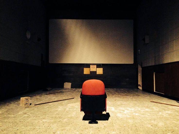 """PostModernissimo- Cinema di qualità, spettacolo e arti visive nel centro storico di Perugia. PERCHE' L'ABBIAMO SCELTO: Perchè non è l'ennesimo cinema ma è molto di più. Perchè è uno stimolo a tornare a rivivere il centro storico del capoluogo e ritrovare il piacere di andare al cinema e poi """"farsi una vasca"""" per Corso Vannucci. Perchè è la risposta di giovani perugini che vogliono credere in un futuro nella propria città."""