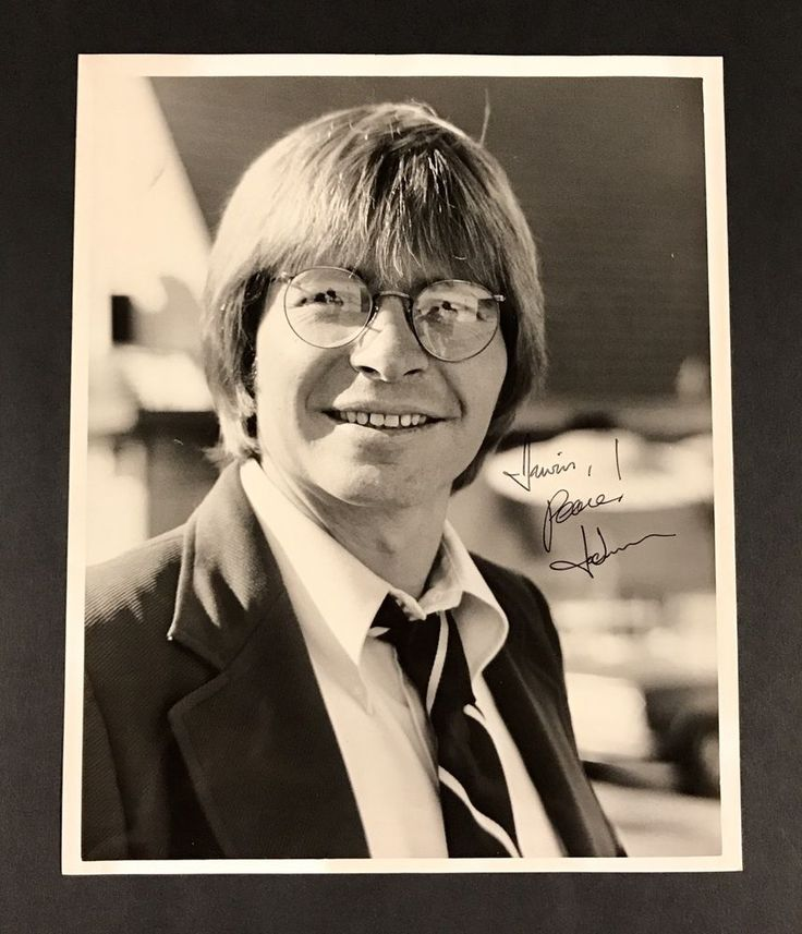 "Musician & Actor John Denver Signed 8""x10"" Vintage B&W Photograph Very Fine! Signature 100% guaranteed authentic - Signed for someone who used to work with him Please message me with any questions - Thanks 