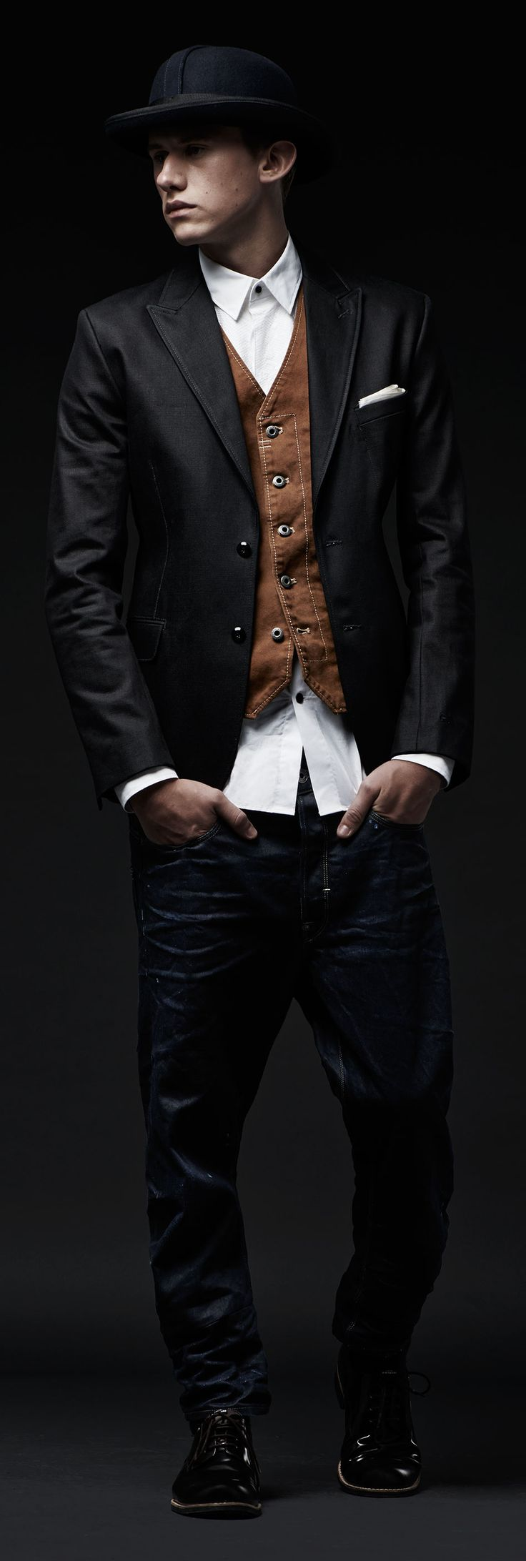 G-STAR RAW MIDNIGHT COLLECTION 3-COURSE DINNER Denim and canvas in cultured cuts for raising a glass to the season https://www.g-star.com/collection/men/midnight-look-1