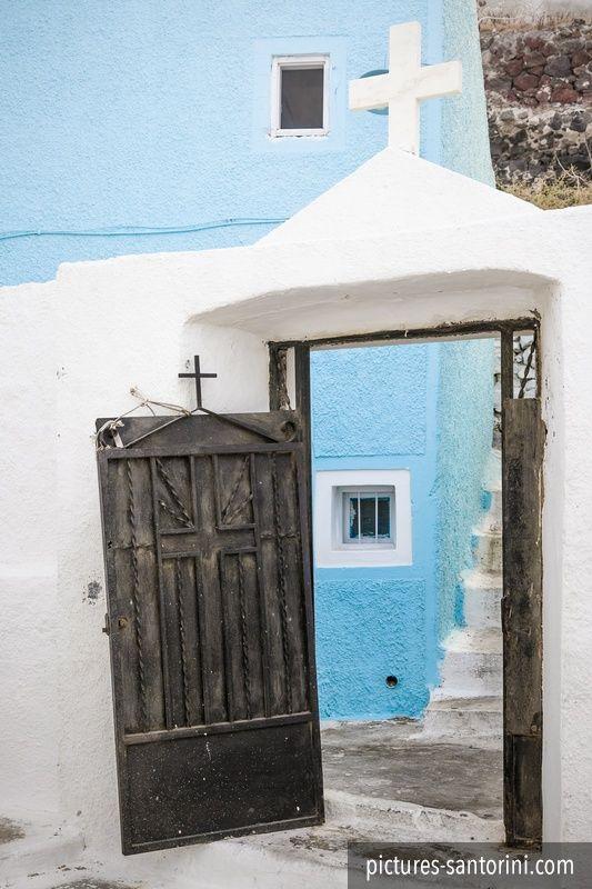 Open church door in Imerovigli, Santorini. #santorini #greece #imerovigli #blue #church