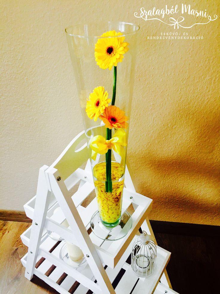 Esküvőre asztali dekorációnak is szuper választás lehet ez a csodás és vidám összeállítás! Kérheted a kedvenc virágoddal a kedvenc színedben! :)