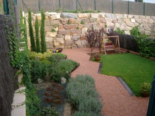 17 best images about jardines on pinterest gardens for Decoracion para patios pequenos