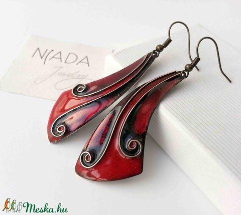 Piros - fekete rekeszzománc fülbevaló, piros fülbevaló, tűzzománc fülbevaló, fekete füli (lineornament) - Meska.hu