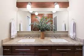 Mid Century Bathroom Ideas | www.essentialhome.eu/blog | #midcentury #bathroom #furniture