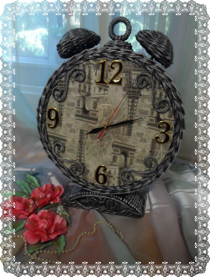 """Часы """"Будильник"""". Плетение из бумажной лозы.  Плетение из газет. Декупаж."""