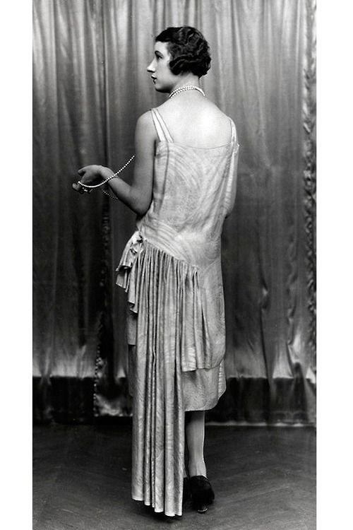 Dress by Paul Poiret, 1927. | More on the myLusciousLife blog: www.mylusciouslife.com