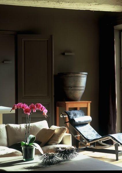 Deuxième salon accessible aux Hôtes, le Mas des Songes vous accueille dans une ambiance conviviale et chaleureuse.