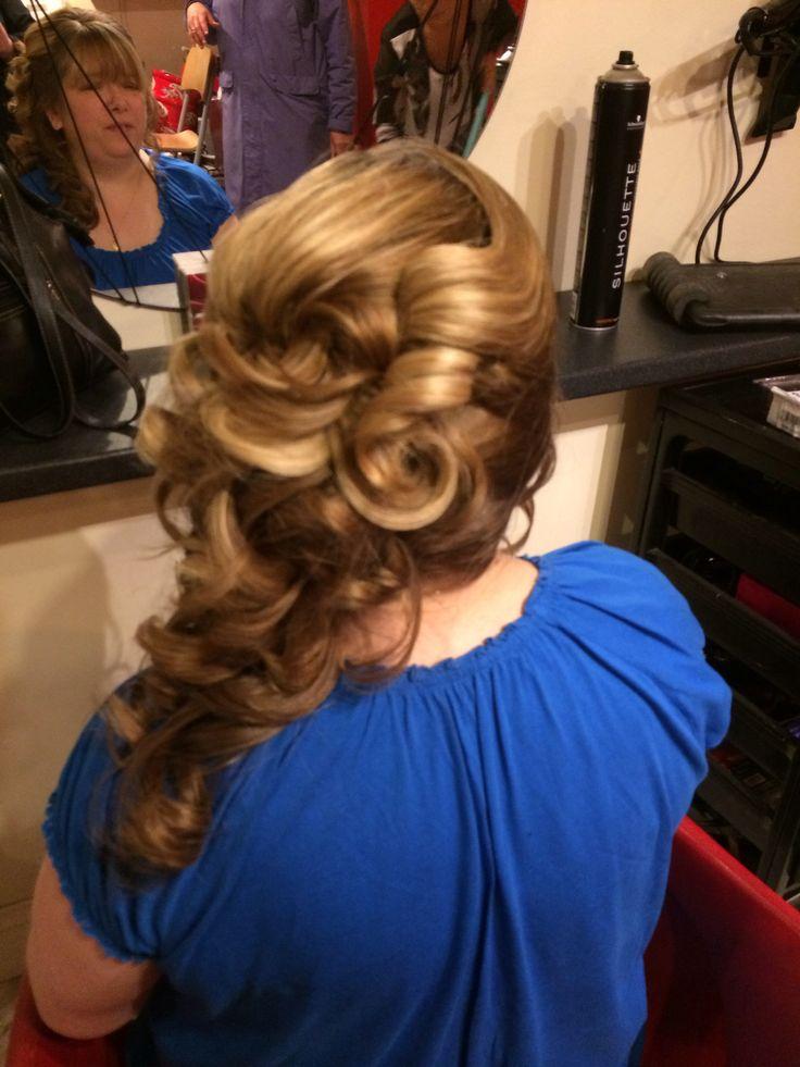 Curls/blonde