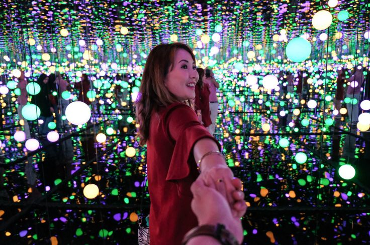 Mullie 1st experience in the Infinity Mirrored Room by Yayoi Kusama - Museum MACAN by Myfunfoodiary
