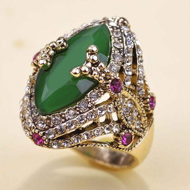 Illuminati 2015 Emerald Rhinestone Lustre Rings Anel Faca Bijuterias vaz The Ring O Free Shipping 2015 for personality womens US $7.94 /piece