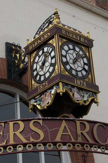 Clock in Northallerton, Yorkshire, England - photo by Tere Sue Gidlof (teresue), via Flickr