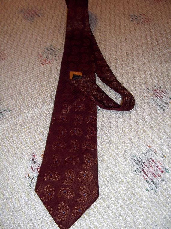 Etro  Milano vintage silk tie La nuova traditione by CHEZELVIRE, $18.00