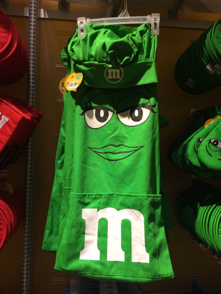 M&M's World Green Character Apron and Chef Hat Set New with Tag