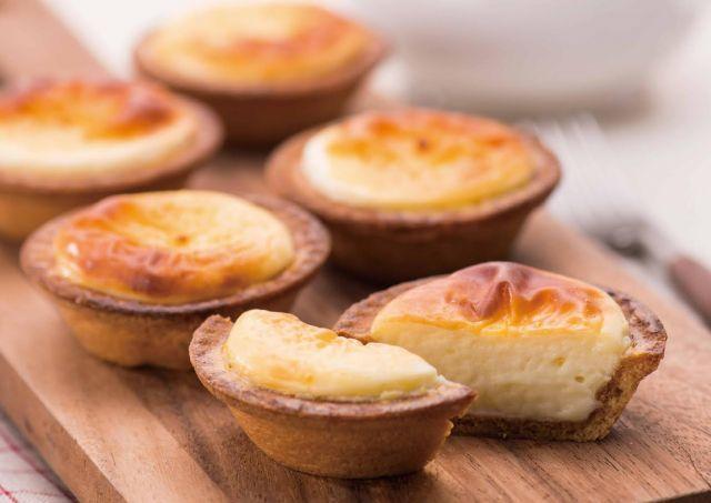 北海道札幌の人気洋菓子店きのとやの子会社である株式会社BAKEは、焼きたてチーズタルト専門店「BAKE by KINOTOYA」にファクトリー・カフェを併設した新業態店「BAKE CHEESE TART(ベイク チーズタルト)」を、2014年11月1日(土)自由が丘にオープンします。