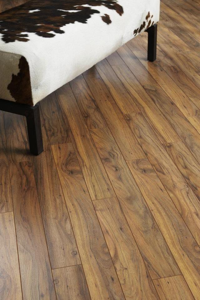 Rustic looking laminate flooring