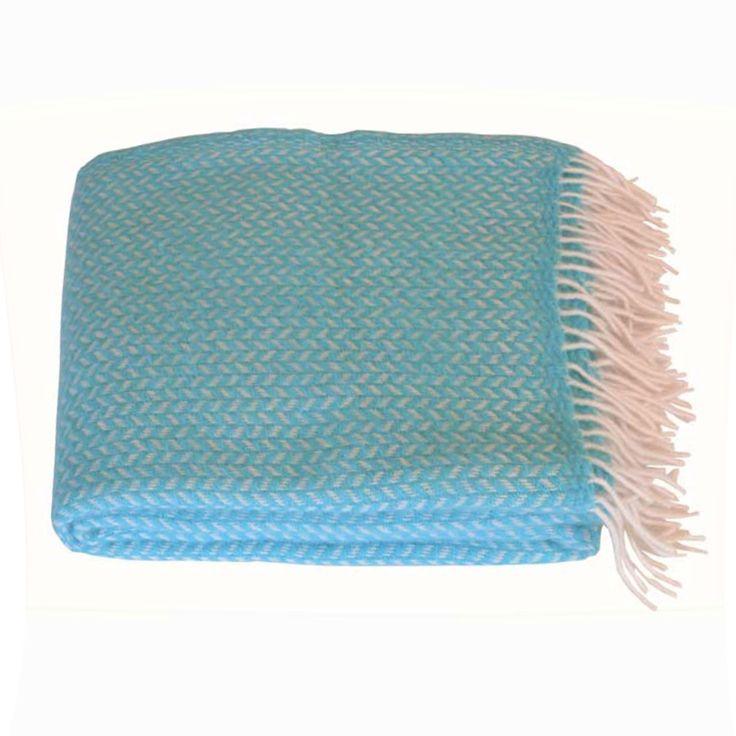 Polka ullpledd fra Klippan. Pleddet er laget i 100% lammeull og er 130x200cm. Pleddet finnes i flere...