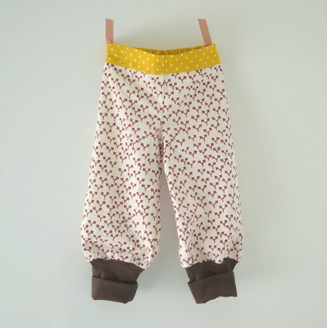 Handmade Vibeke Bukse med strikk bak