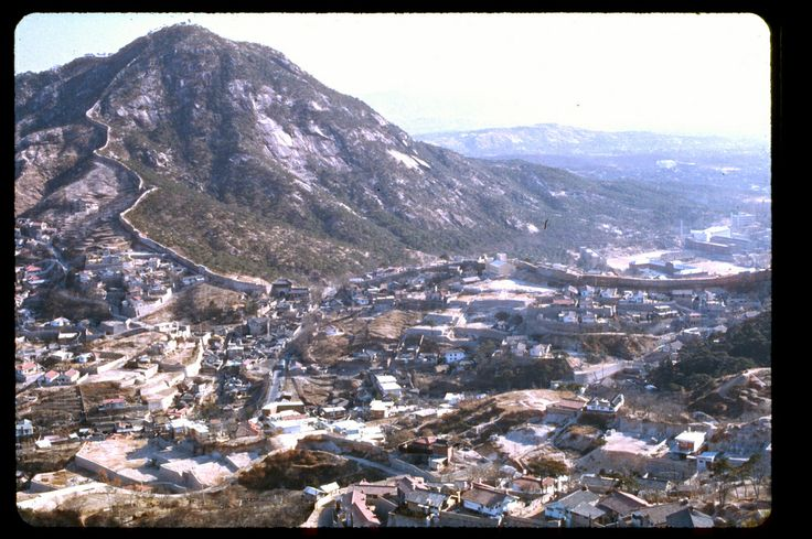 Seoul, Dec 1966, looking east, Pugaksan, city wall and North Gate. Photo by Stephen Dreher.