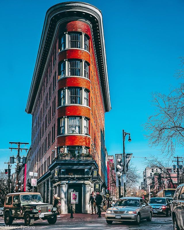 That famous intersection (besides the steam clock)  #gastown #vancouver #explorebc #veryvancouver #dailyhivevan #urban