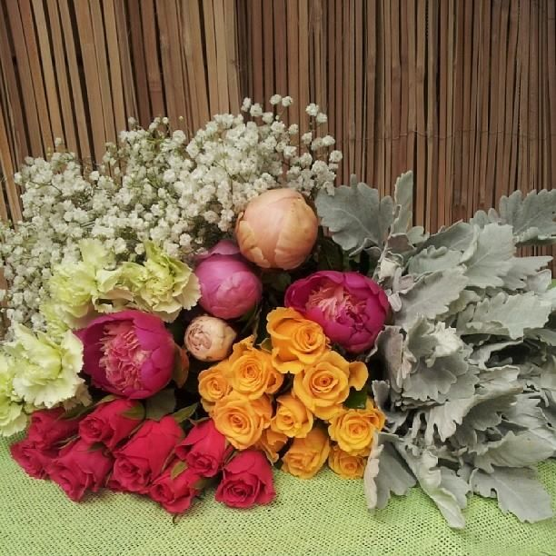 reasons why a florist doesn't like their job. Something to think about with the negatives
