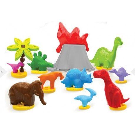 Piątek, Piąteczek, Kochamy:)  Klocki Wafle - Dinozaury w Kartonie dla Dzieci od lat 3.   Aż 9 Plastikowych Figurek Dinozaurów dodatkowo podstawki oraz inne lementy dekoracyjne.   Klocki są kompatybilne z klockami typu wafle.  Sprawdźcie sami:)  http://www.niczchin.pl/klocki-waflowe/2904-klocki-wafle-dinozaury-w-kartonie.html  #klocki #wafle #waflowe #figurki #niczchin #zabawki #krakow