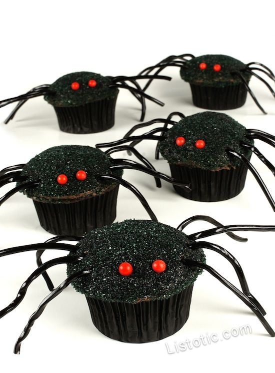 #3. Easy Spider Cupcakes | 15 Super Easy Halloween Treats To Make
