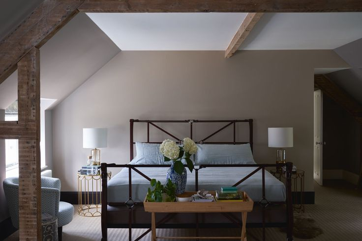 Best Calm Loft Space Bedroom Painted In Soothing Neutral Shades 400 x 300