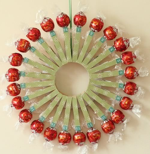Make your own advent calendar with this simple clothespin craft. This unique homemade christmas candy wreath is fun to make with the kids and will help them countdown to Christmas.