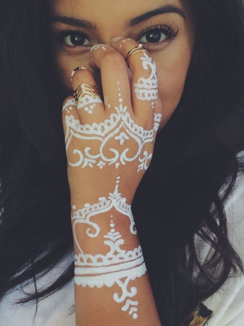White Mehndi Tattoo : White henna tattoo google search art pinterest