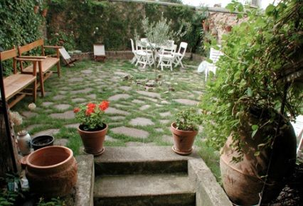 Patios y jardines sencillos buscar con google decoracion pinterest patio and stones for Jardines sencillos