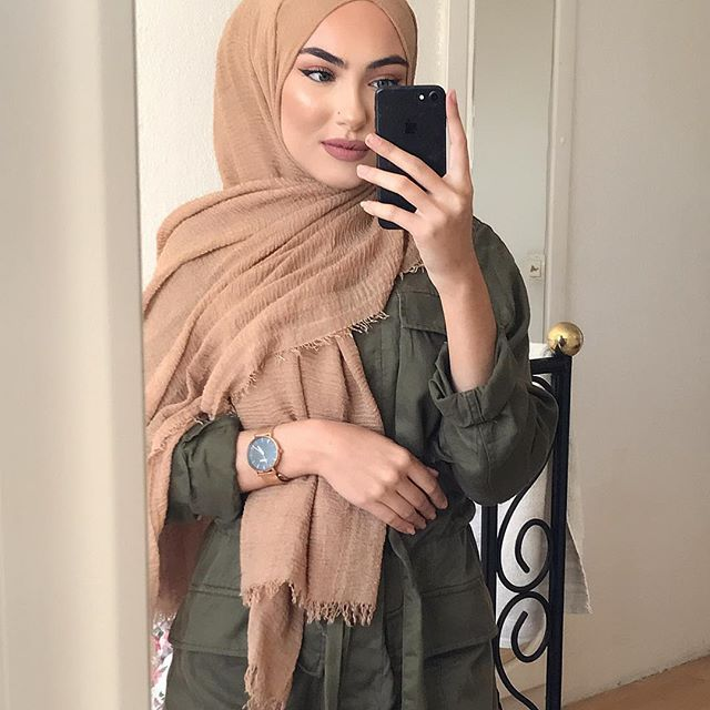 Watch by @burkerwatches Save 15% with my Code suemeyra15 Hijab by @lia_fashion_beauty ✨✨✨✨ Highlight #autumn #autumn #autumnfashion #autumnoutfit #autumnstyle #ootd #hijabi #hijabi #hijabstyle #hijabista #hijaber #hijabdaily #hijabmodern #hijabmuslim #hijabmodesty #ootd #inspired #outift #hi #fashion #style #stylish #ootd #love #photooftheday