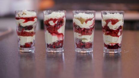 Dagelijkse kost - trifle van rood fruit, mascarpone en witte chocolade