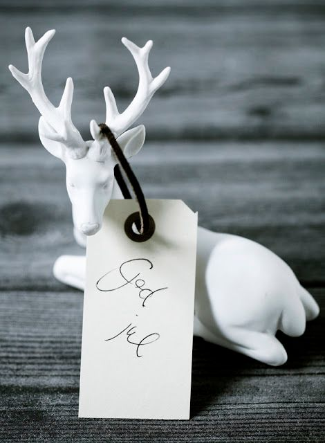 / 79 Ideas...buy Christmas/winter looking animals and paint white...for Gala